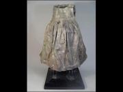 sculpture-dressing-up